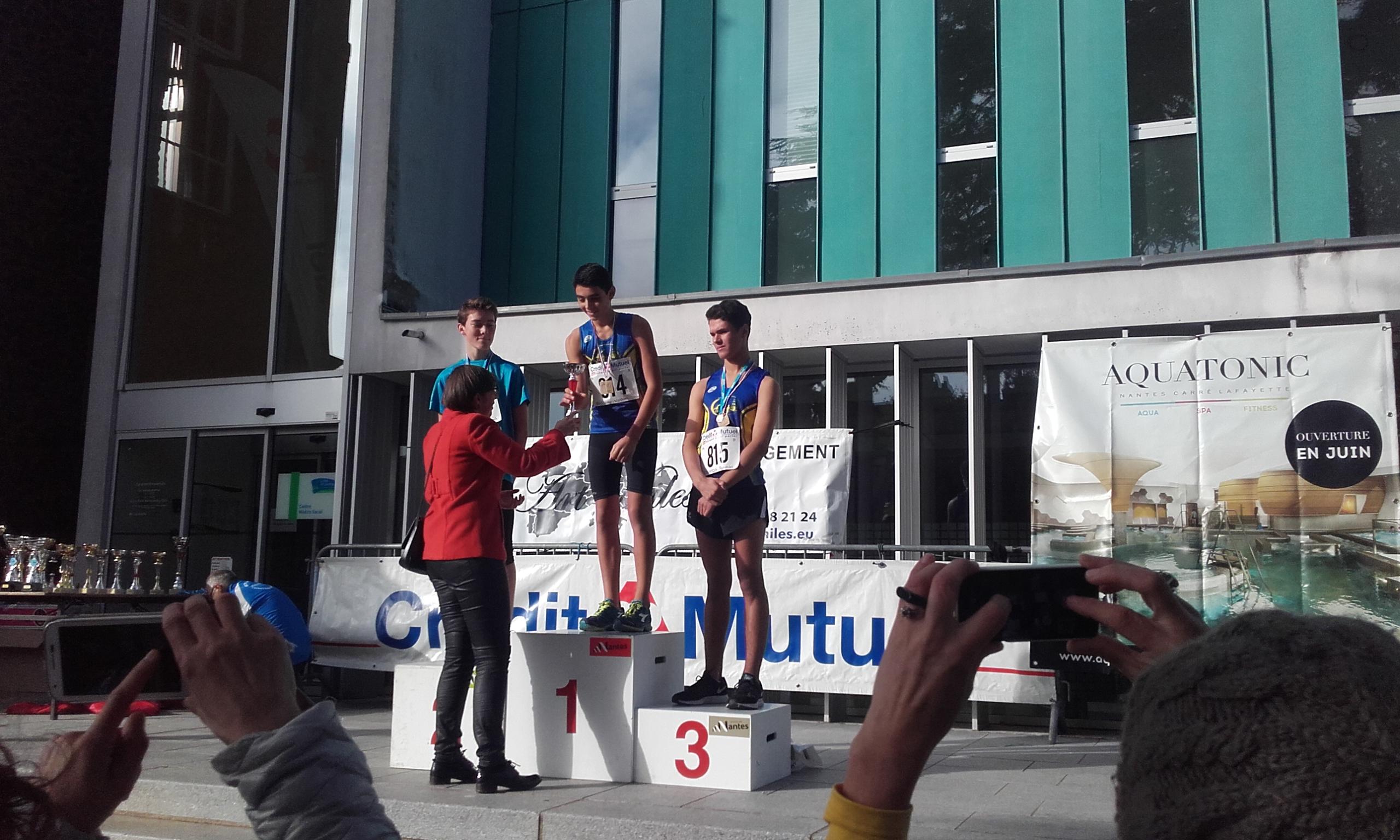 podium-garcons